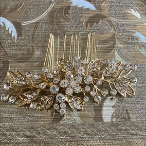 Accessories - Gold Tone Crystal Hair Clip